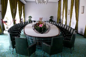 Conference table (Augapfel)