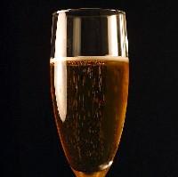 Bubbly wine (Photos8.com)