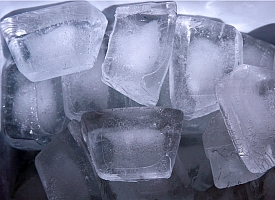 Ice cubes (Liz West/Flickr)