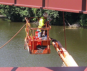 Engineers add sensors to bridge under construction in Iowa Falls (Bridge Engineering Center, Iowa State University)