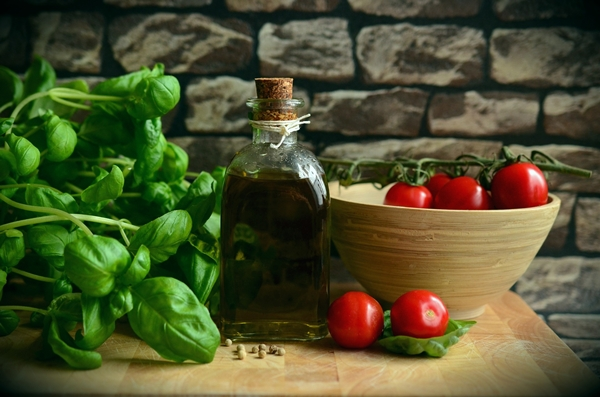 Basil, olive oil, tomatoes