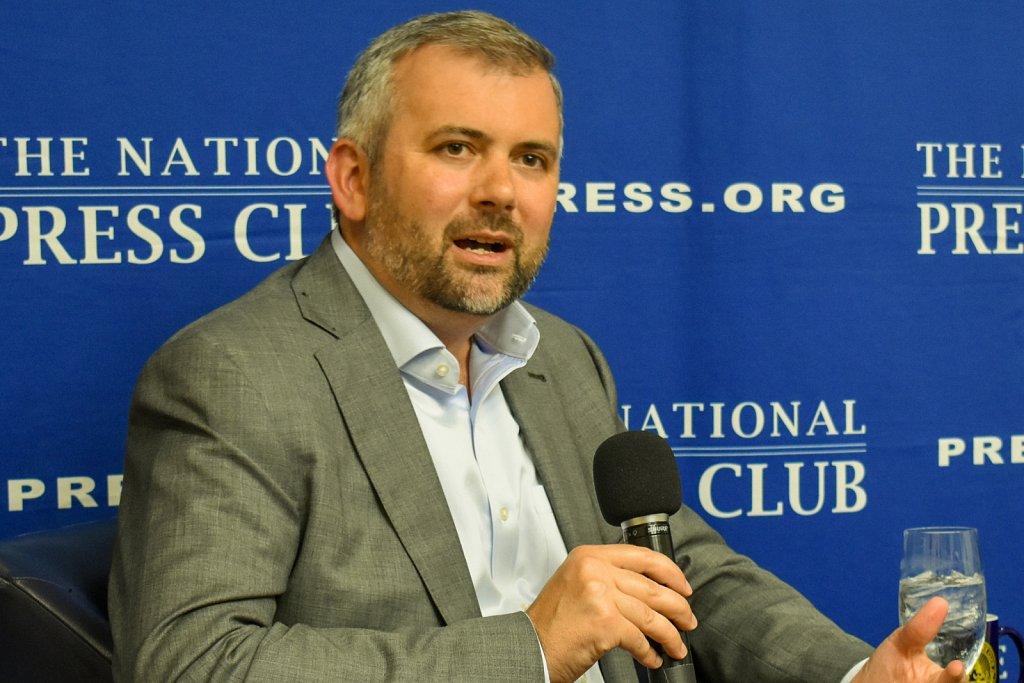 New York Times economics correspondent and author Neil Irwin