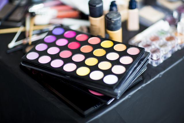 Cosmetics kit